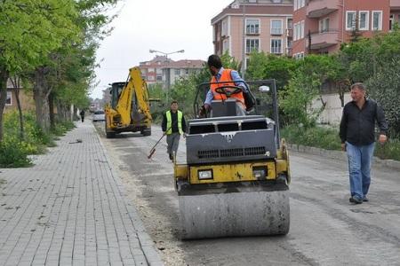 Büyükçekmece de asfaltlama devam ediyor… Haberi